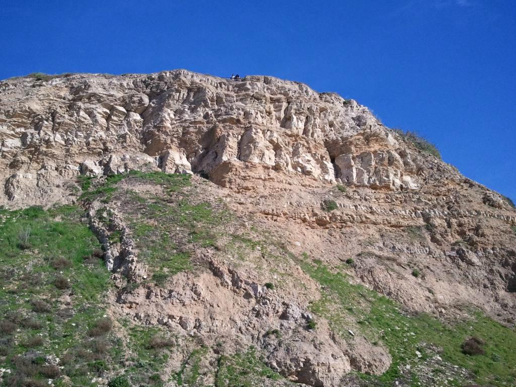 california_beach_cliff